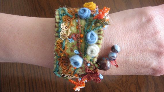 oyas and felt braceletfelt wrist cuffturkish by CiciByMuy on Etsy, $15.00