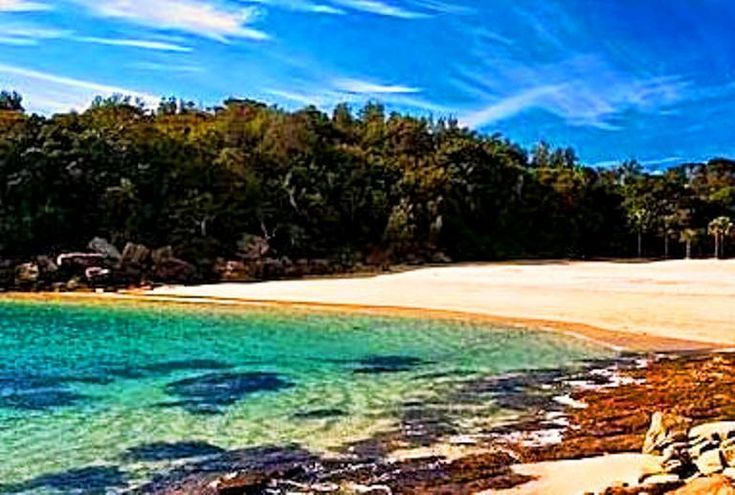 The Manly Beach is splendid sandy beach with impressive facilities and exciting entertainment attractions. Description from bestourism.com. I searched for this on bing.com/images