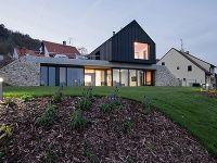 Dom postavený z dvoch