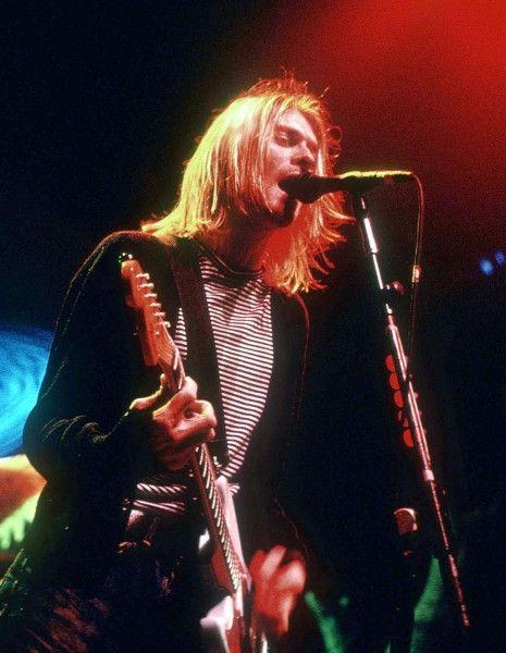 « Kurt Cobain : Montage of Heck » first official documentary dubbed by his family.  est le premier documentaire officiel sur l'ancien leader de Nirvana, adoubé par sa famille. http://www.elle.fr/Loisirs/Musique/News/Kurt-Cobain-decouvrez-la-bande-annonce-du-docu-biopic-2929700