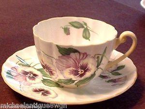 Vintage-Shelley-Pansy-Porcelain-Tea-Cup-amp-Saucer-MINT-in-Floral-Pattern-13823