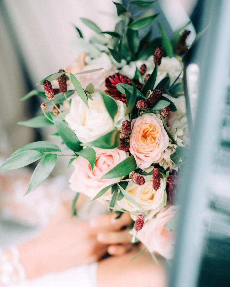 My autumnal wedding bouquet as captured by Petra Veikkola - Anna, Arctic Vanilla blog.