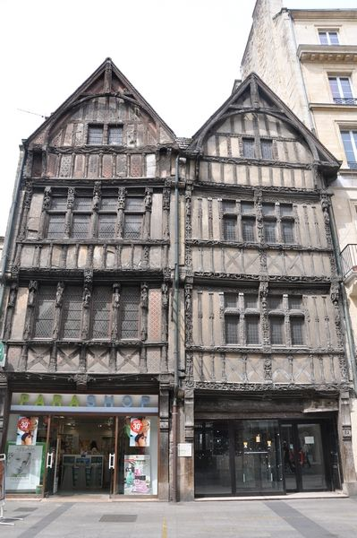 medieval houses, 52 rue Saint Pierre, Caen, France