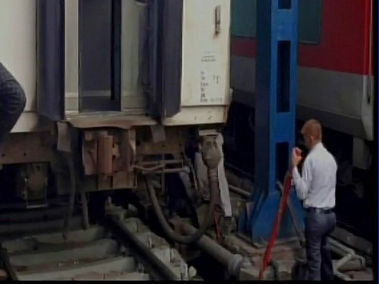 Rajdhani Express coach derails at New Delhi Railway Station