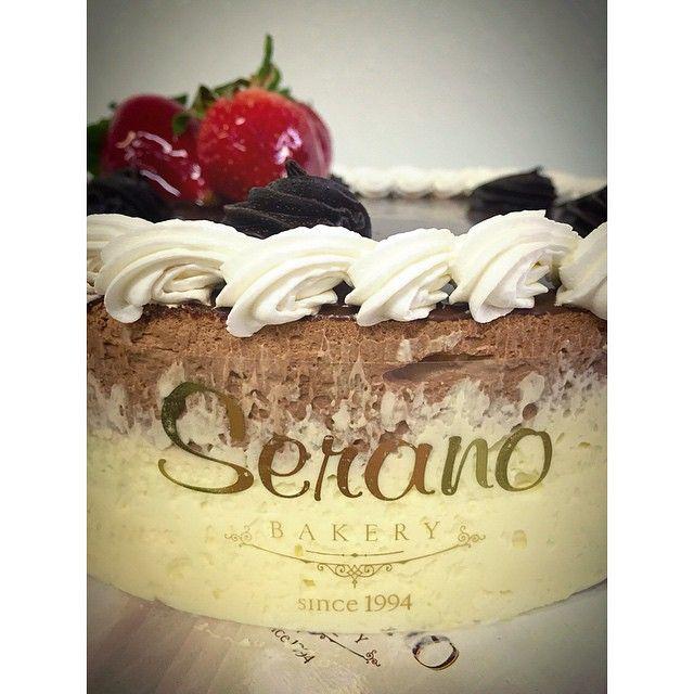 Chocolate & Vanilla Mousse!!! #chocolate #chocoholic #vanillacake #cake #fresh #strawberries #yingandyang #yummy #ilovecake #greekbakery #Greektown #eastyork #papevillage #seranobakery #Torontobakery
