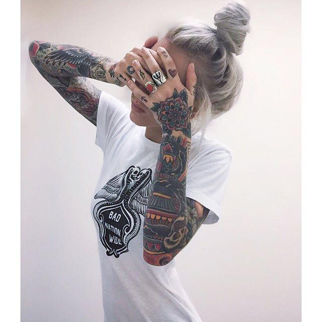 Best 25 inked girls ideas on pinterest tattooed women for Girls with badass tattoos