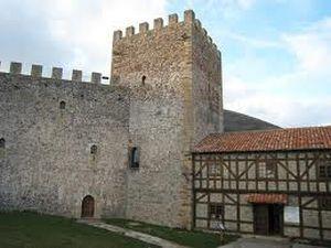 Castillo de Argüeso, en Campoo de Suso #Cantabria #Spain