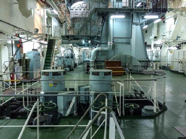 "Im Maschinenraum der ""Cap San Lorenzo"""