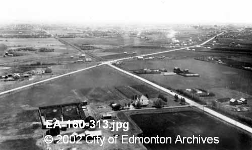 50st @ Fort Rd.  1938.  Image Courtesy of Vintage Edmonton   https://www.facebook.com/TheVintageEdmonton