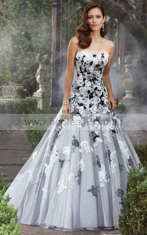 A-line Sleeveless Strapless Lace-up Floor-length Wedding Dresses feaf1099--Hodress
