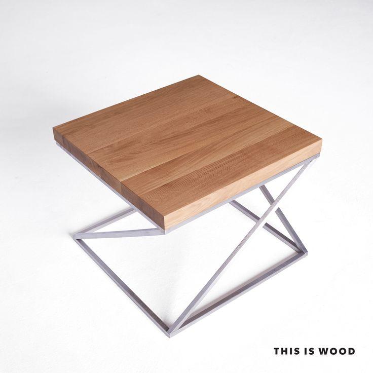stolik kawowy z drewna dębowego na na nogach ze stali nierdzewnej szczotkowanej