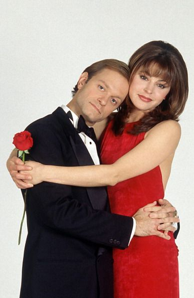 David Hyde Pierce as Dr Niles Crane Jane Leeves as Daphne Moon