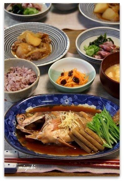 ていねいに作っためばるの煮つけ。小さなおかずいろいろ。 by miyuki ...