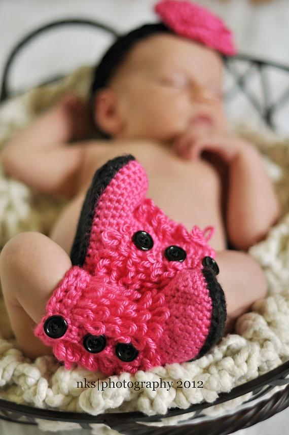Ugg inspired Baby Boots Crochet Hot Pink black by homeschoolma, $30.00