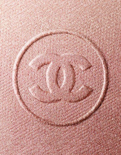 Chanel natural blush