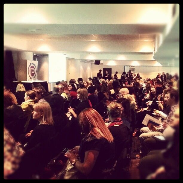 Room full of bloggers #pbevent