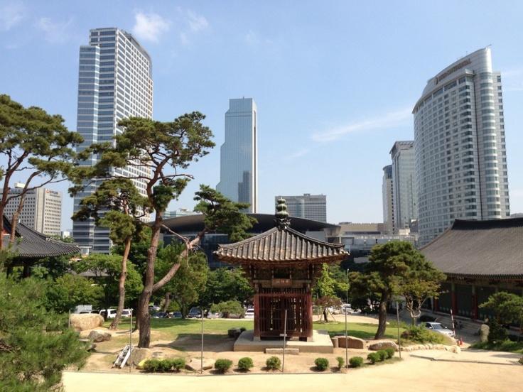 Seoul, Korea, old and new. #jetsettering