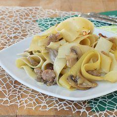 PASTA FUNGHI E SALSICCIA FRESCA ricetta pappardelle ai funghi