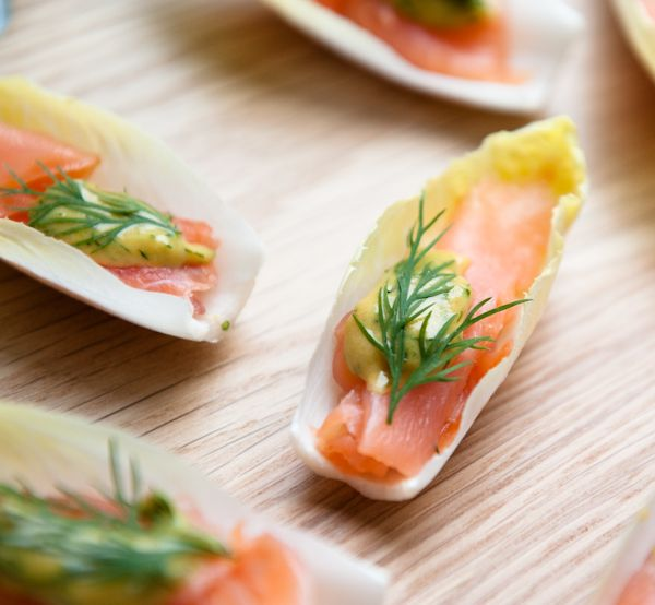smoke salmon with dill honey mustard sauce on chicory