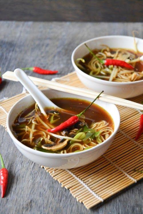 Kyselo-pálivá asijská polévka