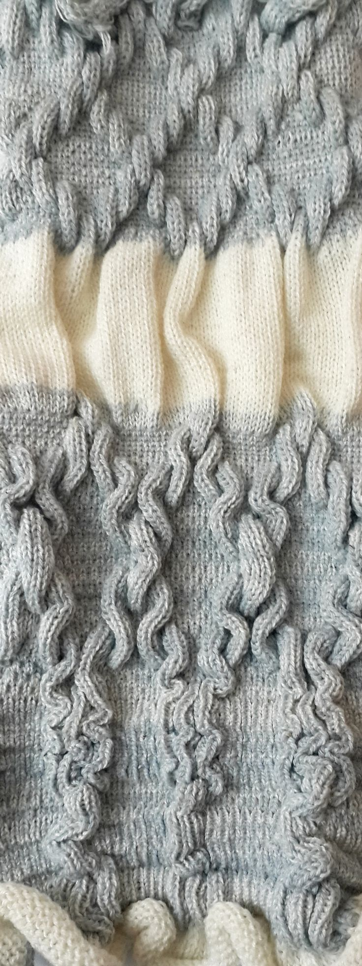 Jacquard swatch, Manual knitting machine, https://tanitusha.wix.com/tatiana-elkind