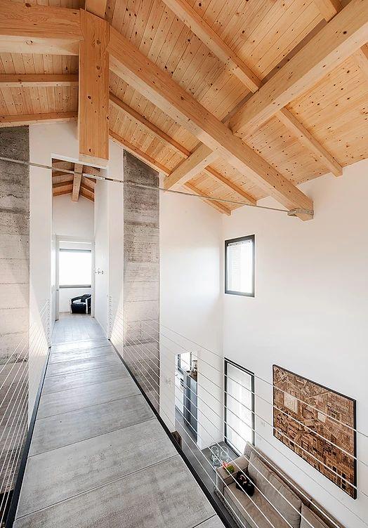 BRANDO concept  | Stalla ristrutturazione legno camento metallo soppalco concrete wood iron interior design living open space