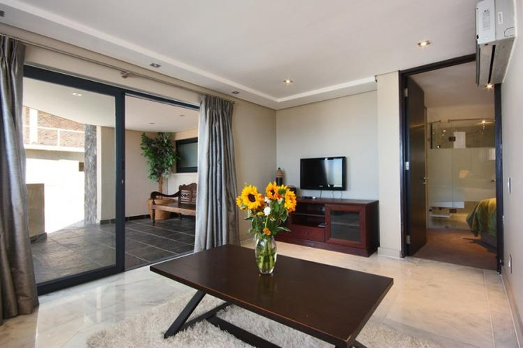 Houghton Heights C | Villa in Camps Bay