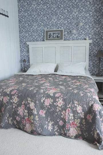 Quiltovaný přehoz přes postel 230 x 260 cm Q120.061