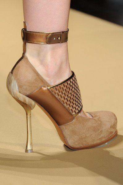FOOTWEAR - Sandals Gianfranco Ferre BZrcGDB