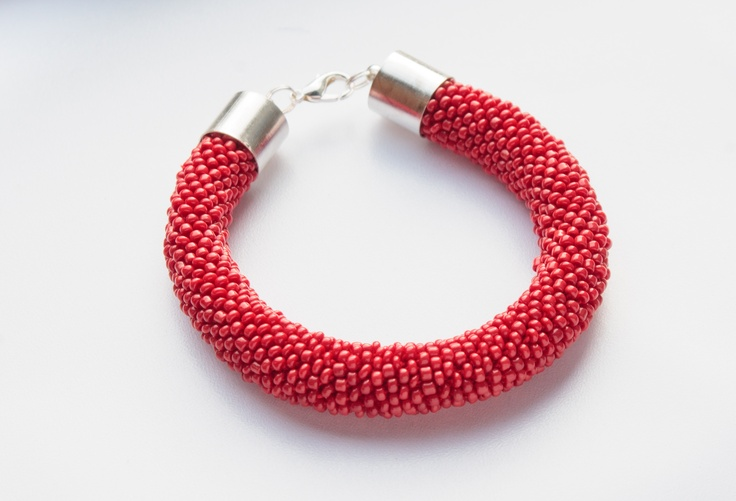Hand made jewellery; bead crochet bracelet made by Natalia; www.facebook.com/BizuteriaLowyt