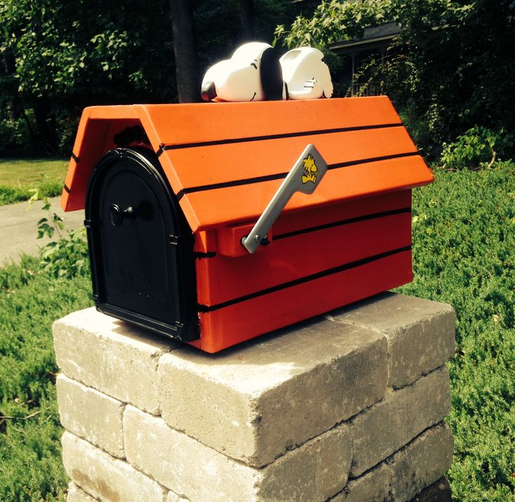 102 best snoopy mailboxes images on pinterest mail boxes for Unique mailboxes to buy
