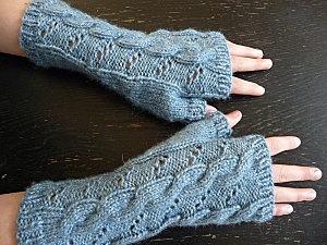 Hermoine's Fingerless Gloves from HBP pattern