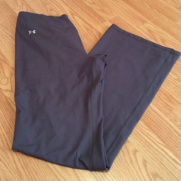 Under Armor Running Pants Women's Under Armor Pants, I bought for running & never wore. NWOT - perfect condition. Under Armour Pants Track Pants & Joggers