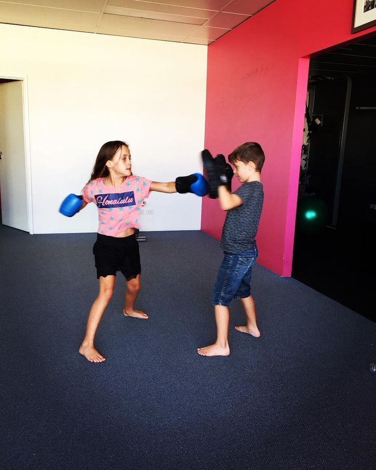 When Aunty has the kids on a pupil free day... A different way to encourage kids to put down their devices try something new and move more.  You can register your kids for our kids fitness classes in @absonfitness_ellenbrook Wednesday afternoons at 3:00pm & 3:45pm.  Register your interest - http://ift.tt/2kiv2EO . . . #Eat #Train #Love #trx #autumn #absonfitness #abson #absonmethod #abs #fitness #fit #fitspo #personaltrainer #pt #groupfitness #getfit #active #workout #exercise #community…