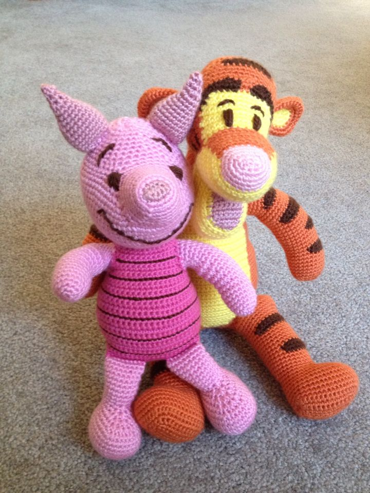Tiger and piglet