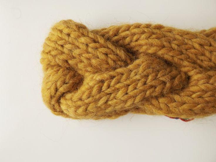 JANIS   Fascia a treccia color senape interamente lavorata a mano, 15€ handmade by dolcedormireknitwear
