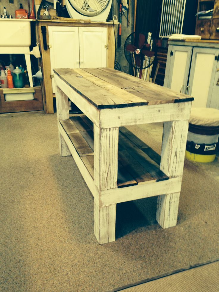 TV entertainment stand made from reclaimed pallet wood and a few left over   4x4's