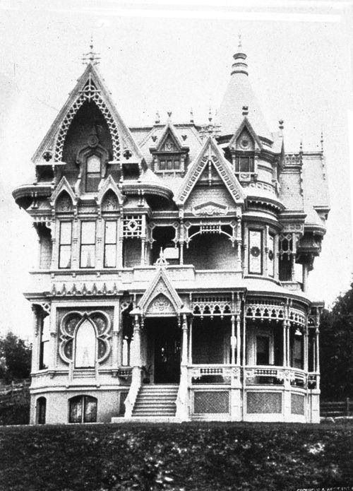 ".""C.M. Forbes Home, 1892 ""They don't make them like this any more"" is certainly true of the C. M. Forbes home. This fantastically ornate home was build circa 1887 on the northwest corner of SW Vista Avenue and Park Place. Date of demolition is unknown but the high-rise now on that property was built in 1960."" source: http://vintageportland.wordpress.com"
