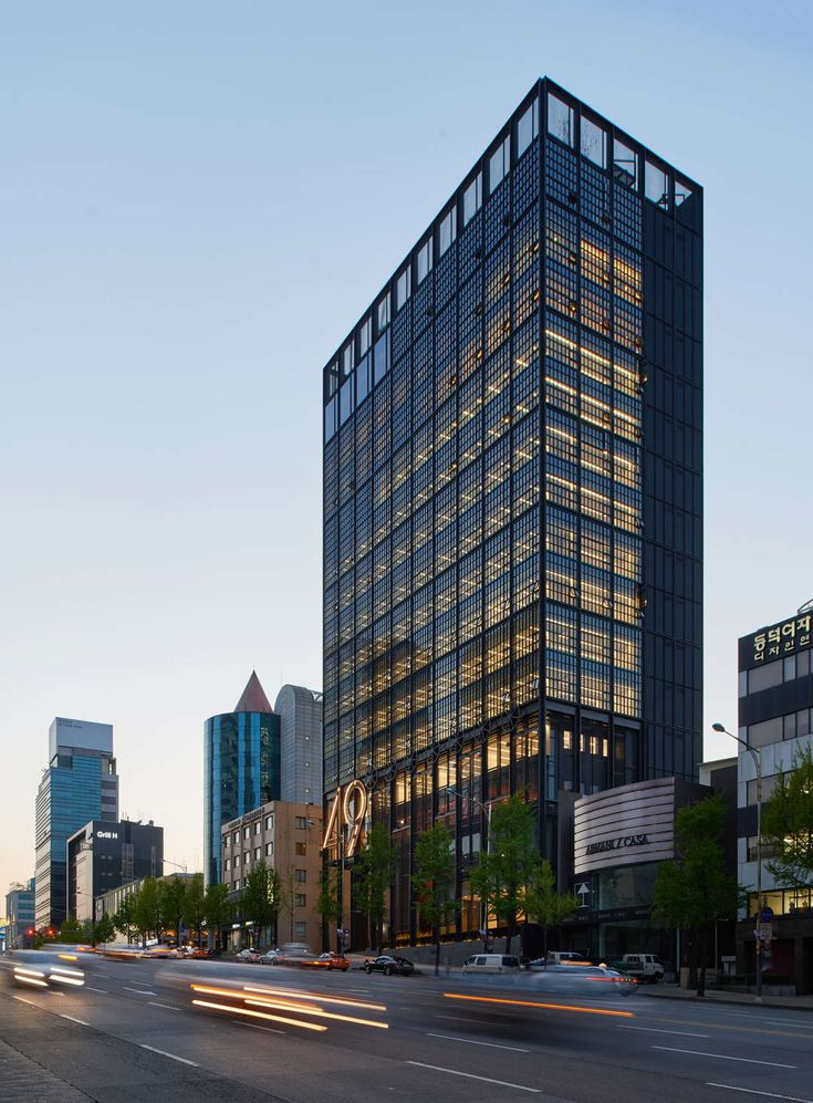 Corporate modernism is a term that encompasses a specific kind of International Style building in the latter half of the 20th century. Large corporations, fl...