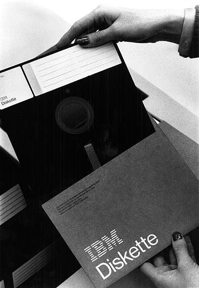 IBM 8-inch Floppy Diskette, 1971. ||| SQLPHP.COM Denmark - special SEO Technologie Strategy Programming Development - 20+ years business software development - PHP MySQL Database Experts - www.sqlphp.com