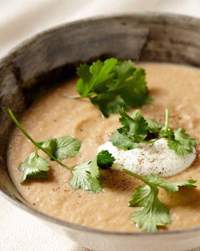 Creamy Cauliflower & Roasted Onion Soup | Lush Loves