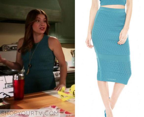 Kevin From Work: Season 1 Episode 4 Audrey's Hexagon Textured Skirt