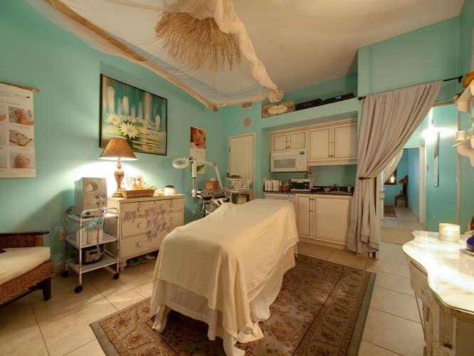 Best 25+ Spa Facial Room Ideas On Pinterest | Facial Room, Beauty Salon  Decor Treatment Rooms And Beauty Treatment Room