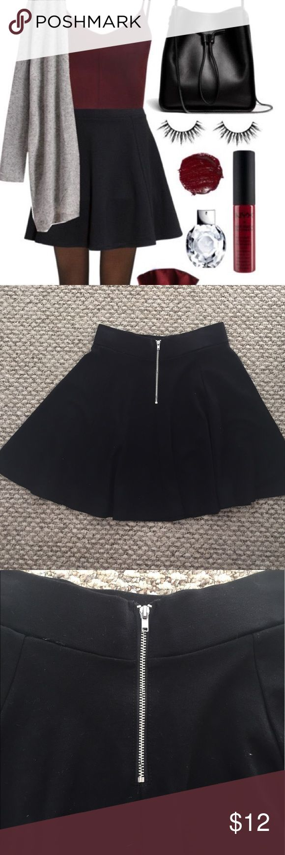 H&M Divided Black Circle Skirt with Zipper A perfect addition to every wardrobe! This basic black skirt looks great paired with crop tops, sweaters, and jean jackets H&M Skirts Circle & Skater