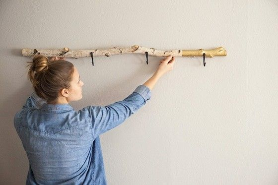 Drift wood coat hanger? Yes Please! Now if only I could find a pretty piece like this. . .