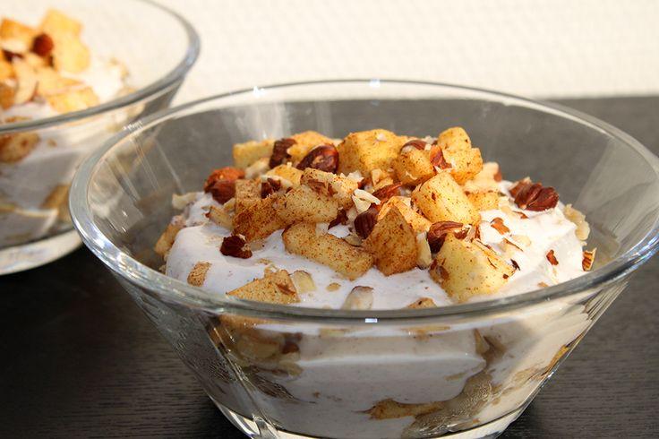 Fedtfattig æble trifli med havregrød - nem morgenmad http://froekenfoodie.dk/fedtfattig-aeble-trifli-med-havregroed-nem-morgenmad/