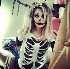 DIY skeleton costume. Cute idea! Thank you, Ladies! http://ideas.coolest-homemade-costumes.com/2012/10/28/last-minute-homemade-sister-skeletons-halloween-costumes/