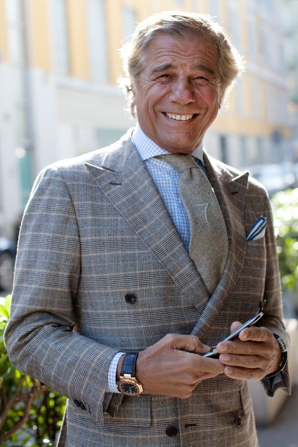 Lino Ieluzzi. The sprezza 7 on his tie is the most vain detail I've ever seen. Wonderful outfit.