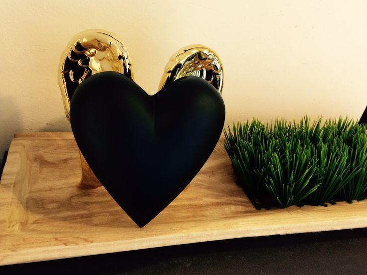 Wunderschöne Vase von KARE-Design in Herzform. Edles Design in schwarz-gold.