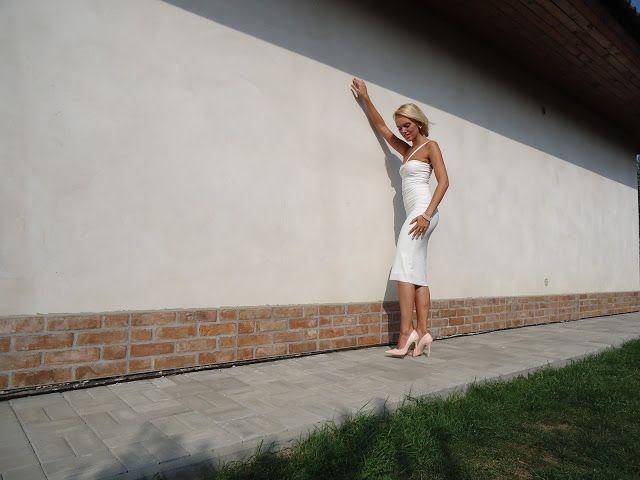 NAIV by Iveta Vankova: Just white